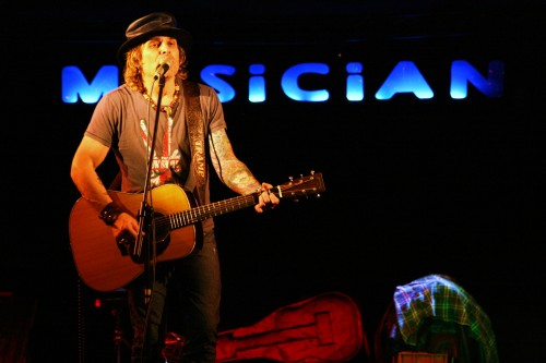 MIKE TRAMP AT THE MUSICIAN 1ST DEC (4)