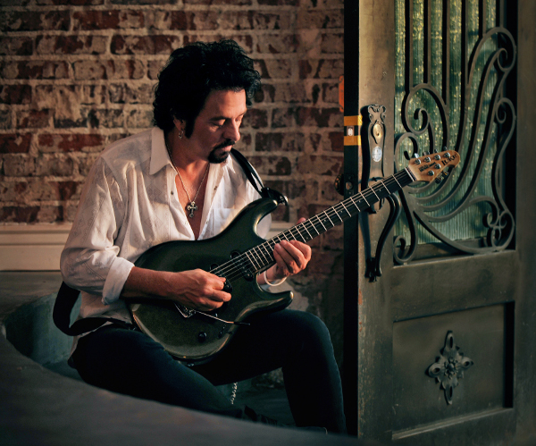 Steve Lukather - credit Rob Shanahan