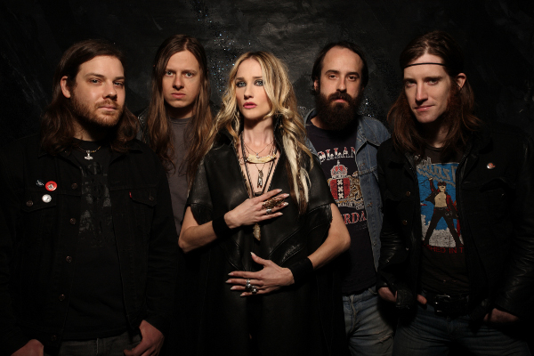 Jill Janus of Huntress 2013