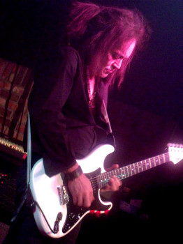 Jake E Lee Red Dragon Cartel 2013