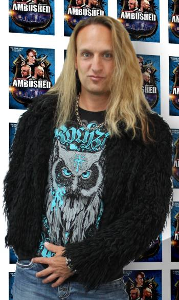 Julian Angel 002